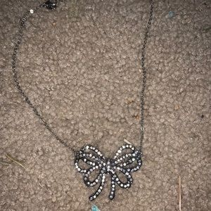 Bow short necklace so cute